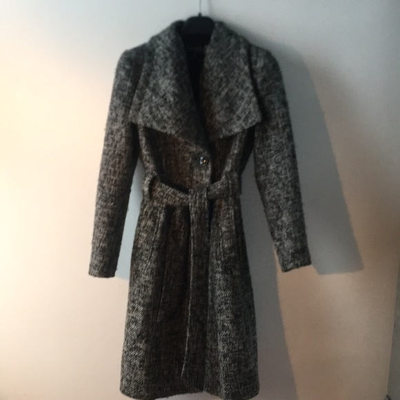 «Novelti» Gorgeous warm wool coat